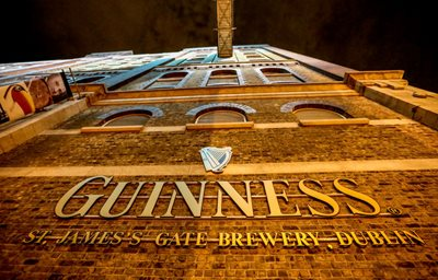 things-to-do-in-dublin-GuinnessStorehouse_400x267.jpg